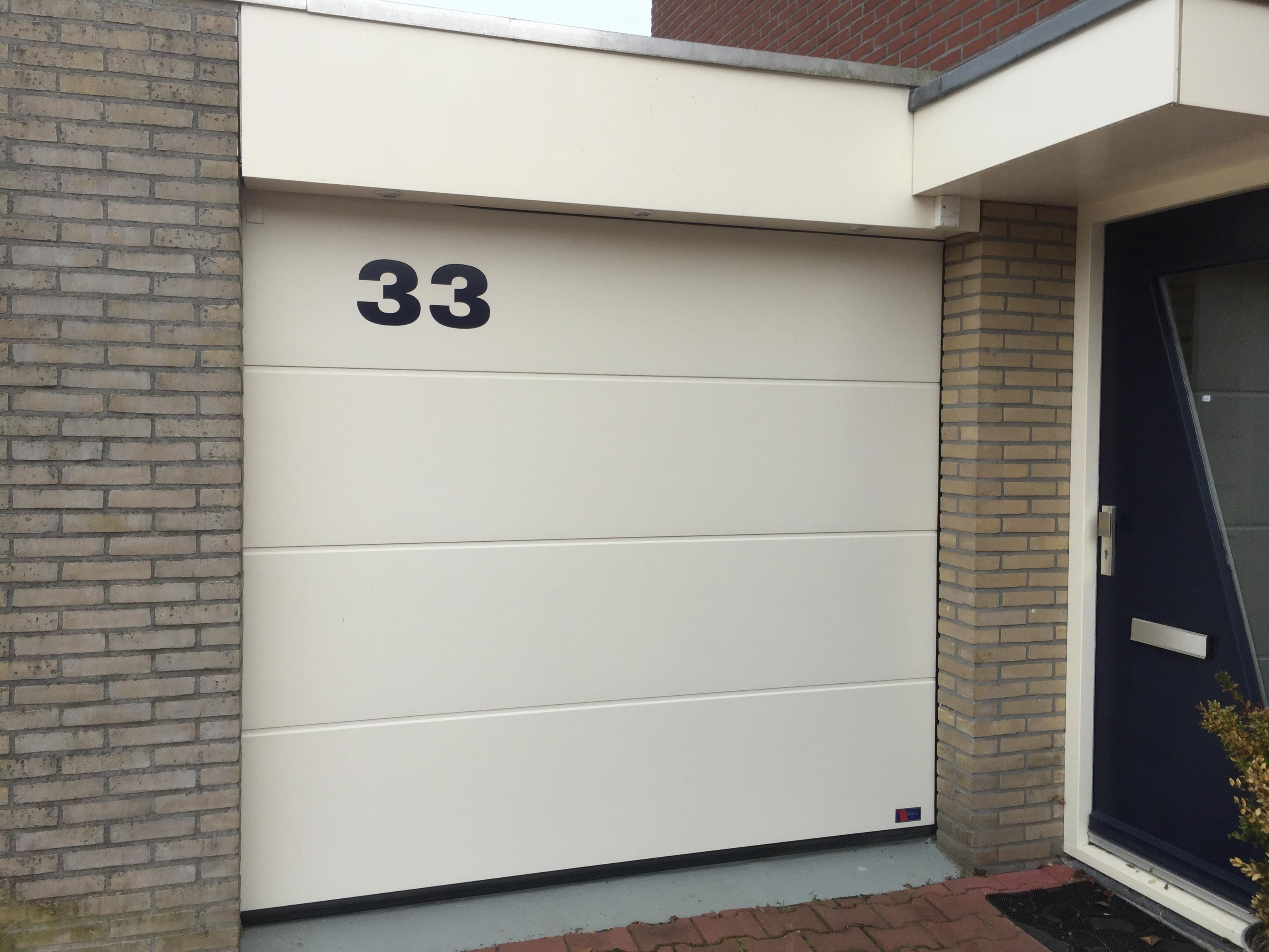 Bokhorst garagedeuren montage onderhoud reparaties for Holland deuren service